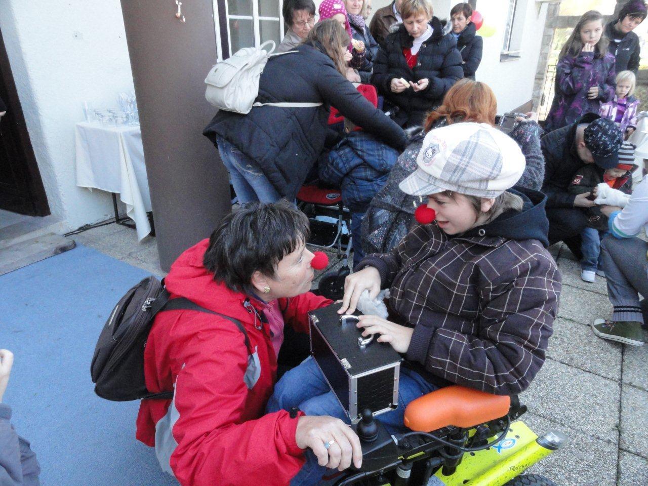 Lucija R.: Otvoritev prostorov, Laško 17.11.2012